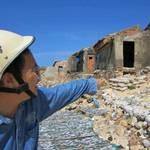 由於海岸侵蝕加劇,越南平定省的沿海居民使用岩石及沙包保護自己的家園(攝影:Thuy Binh/照片提供:IPS)