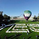 2011澳洲坎培拉,支持課徵碳稅的遊行隊伍。(攝影:Alan Porritt/法新社。)