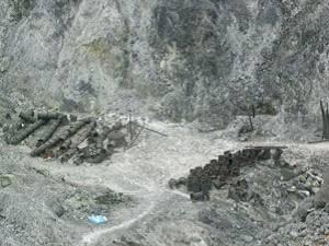 大油坑仍保存的採硫器具