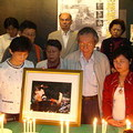 現場為車諾比受難者默哀。