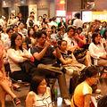 表演現場吸引近200人駐足欣賞。