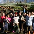 「綠色生活學習社區」活動之協力造屋參與居民與遊客留影(攝影:陳永亮)
