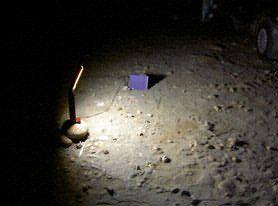 小燈接著UPS,消耗著它殘存的電力;我們正收拾著所有東西,消耗著我們殘存的體力。在燈熄滅後,我們與水鳥暫道告別,明日灘地再會。