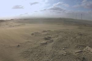 飛沙嚴重影響線西、崙尾交通狀況,幾乎兩、三天就要清除道路積沙,民眾亦不堪其擾