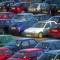 民眾改變消費與使用汽車的習慣,可降低溫室氣體排放。(圖片來源:Freefoto)