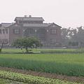 矗立於宜蘭田間的農舍;圖片來源:我們的島