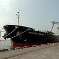 高雄港71與72號碼頭是國內重要的穀倉