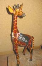 FSC認證的肯亞長頸鹿木雕 :: 圖片來源:FSC網頁