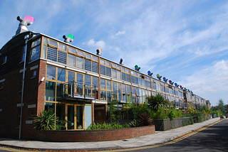倫敦近郊的BedZED生態社區;莫聞攝