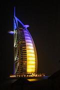 杜拜帆船飯店。圖片來源:維基百科