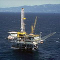 位於美國海域上的石油鑽探。圖片來源:Minerals Management Service