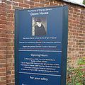 Down House的牌子;圖片來源:本報