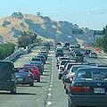 位於洛杉磯市附近,加州岱伯洛谷的交通狀況;圖片來源:Jose California