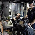 美國海軍聲納技術士於南加州參與聯合任務用兵軍事演習(圖片來源:U.S. Navy)