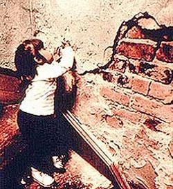 舊建築的含鉛建材仍危害孩童健康。圖片來源:美國環保署