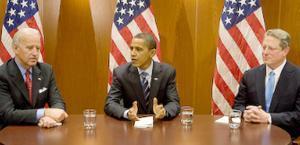 2008/12/9美國現任總統,副總統及前任副總統齊聚會場。圖片提供:Obama Transition Team