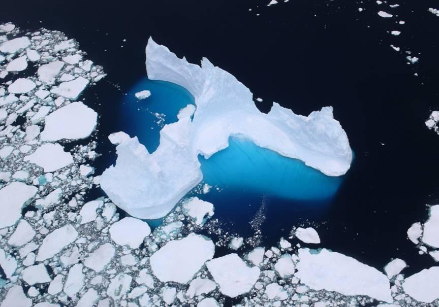 極地離台灣很遙遠,但極地變化卻立即反應出地球氣候的細微變化,我們應該要持續關注極地變化,重視極地所發出的警訊。攝影:張隆盛