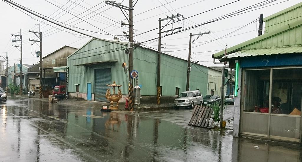 代工廠商(如折紙蓮花、簡單組裝