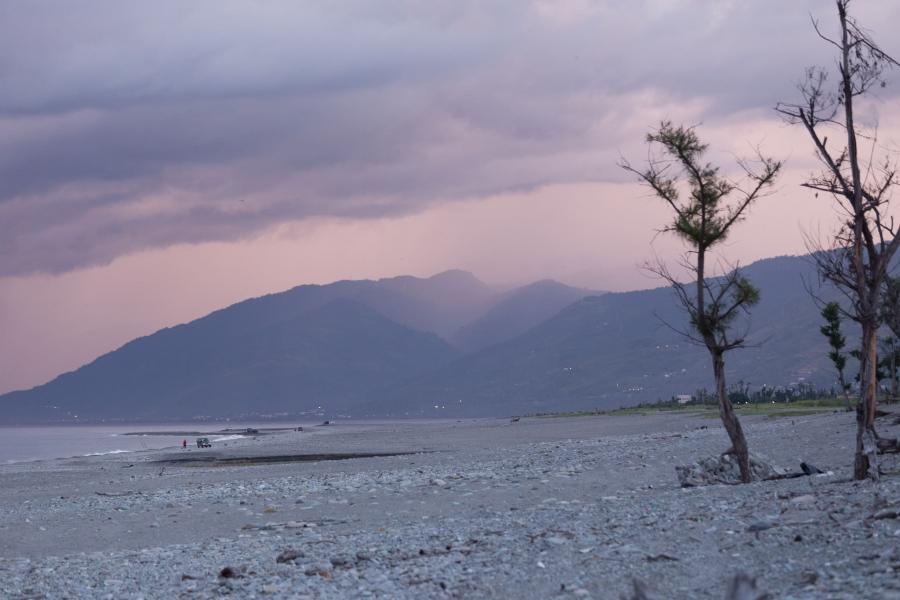 知本濕地的晚霞。攝影:吳宜靜