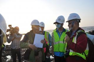 4月9日立委陳椒華辦公室邀請海委會海保署、桃園市環保局、環保署環境督察總隊等單位到場現勘
